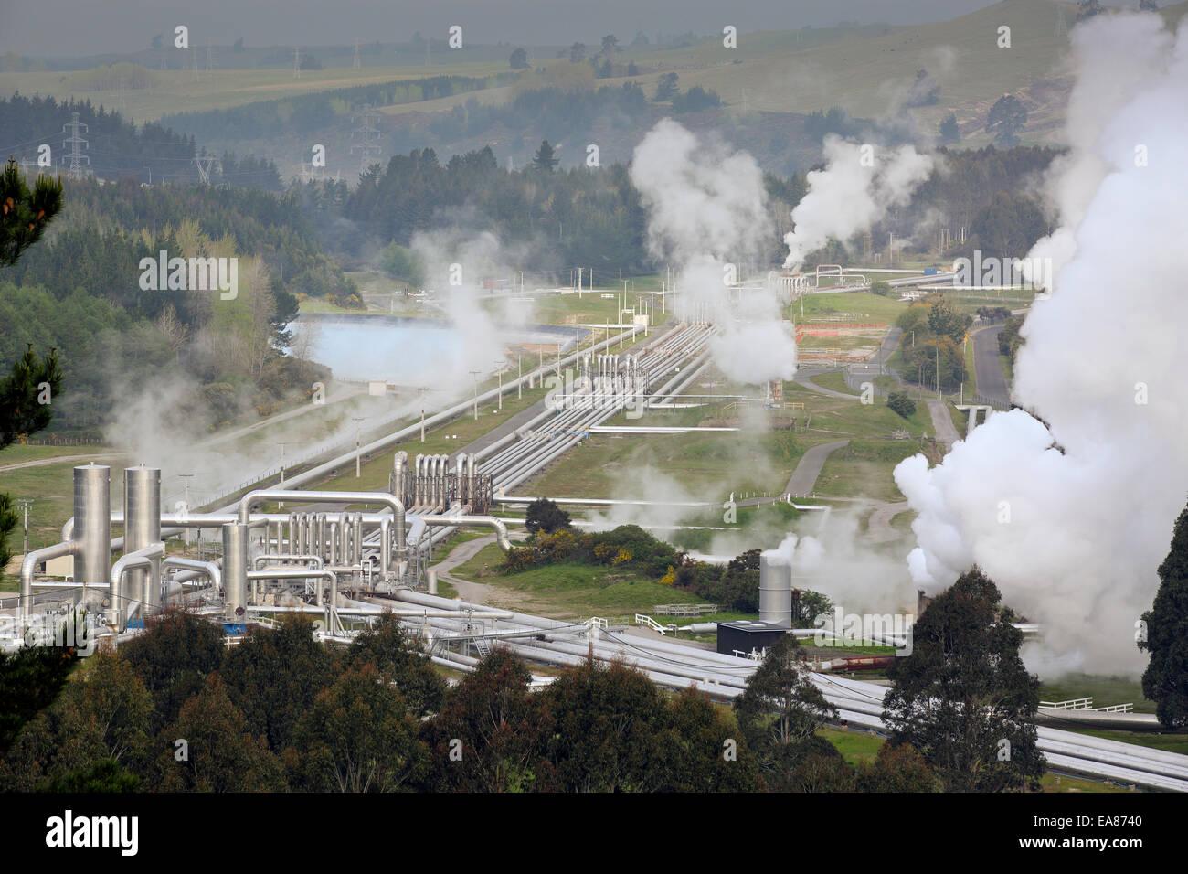 La centrale électrique de Wairakei, une centrale géothermique (vapeur humide) power station à Taupo, Photo Stock