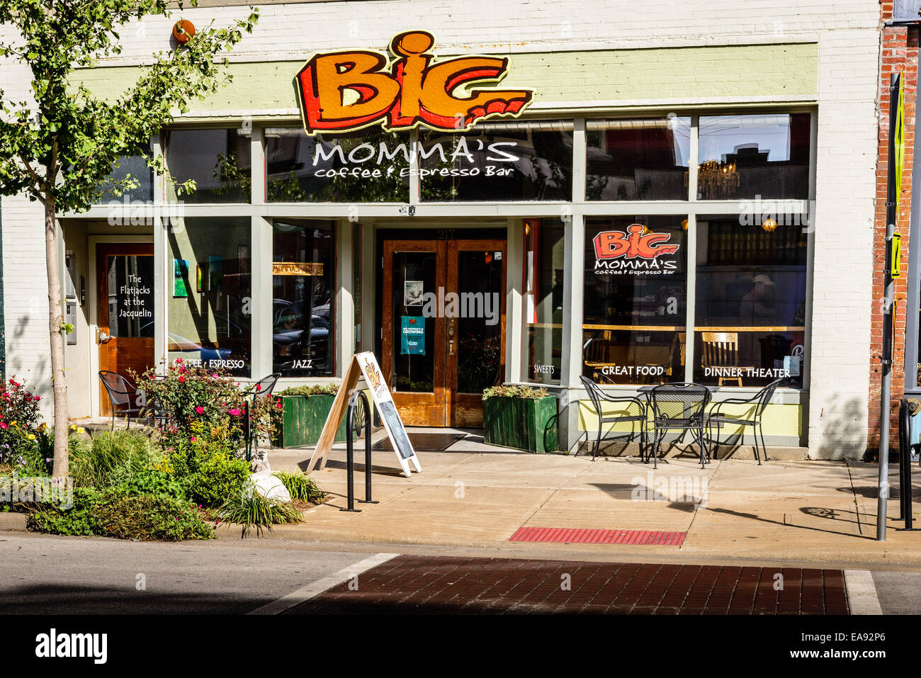 Big Momma's Café et expresso Bar, 217 East Commercial (C-Street), la Woodland Heights, Springfield, Missouri Photo Stock