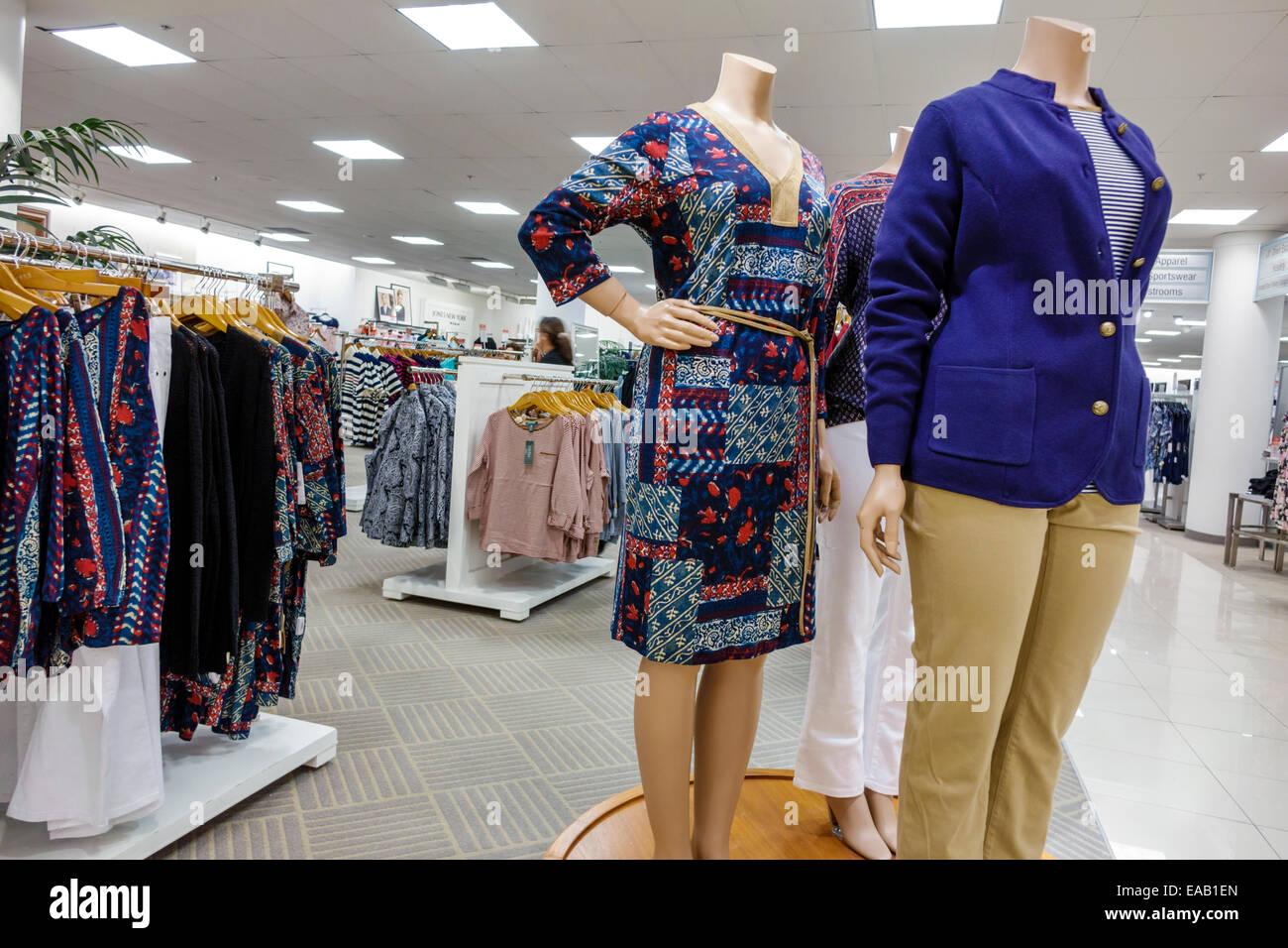 7a1d0415def Mannequin Clothing Stores Photos   Mannequin Clothing Stores Images ...