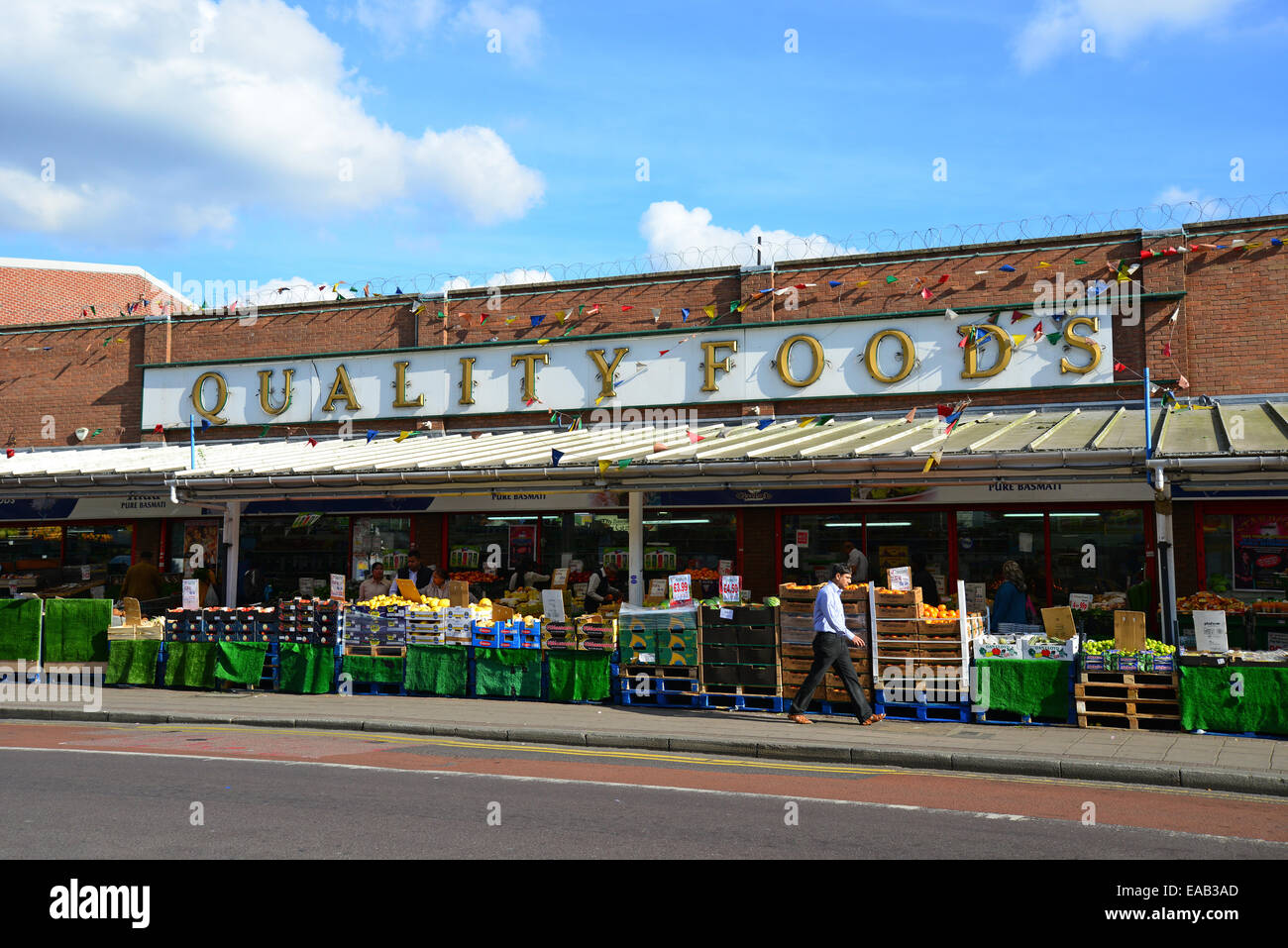 Des stands de nourriture de qualité, South Street, Southall, London Borough of Ealing, Greater London, Angleterre, Photo Stock