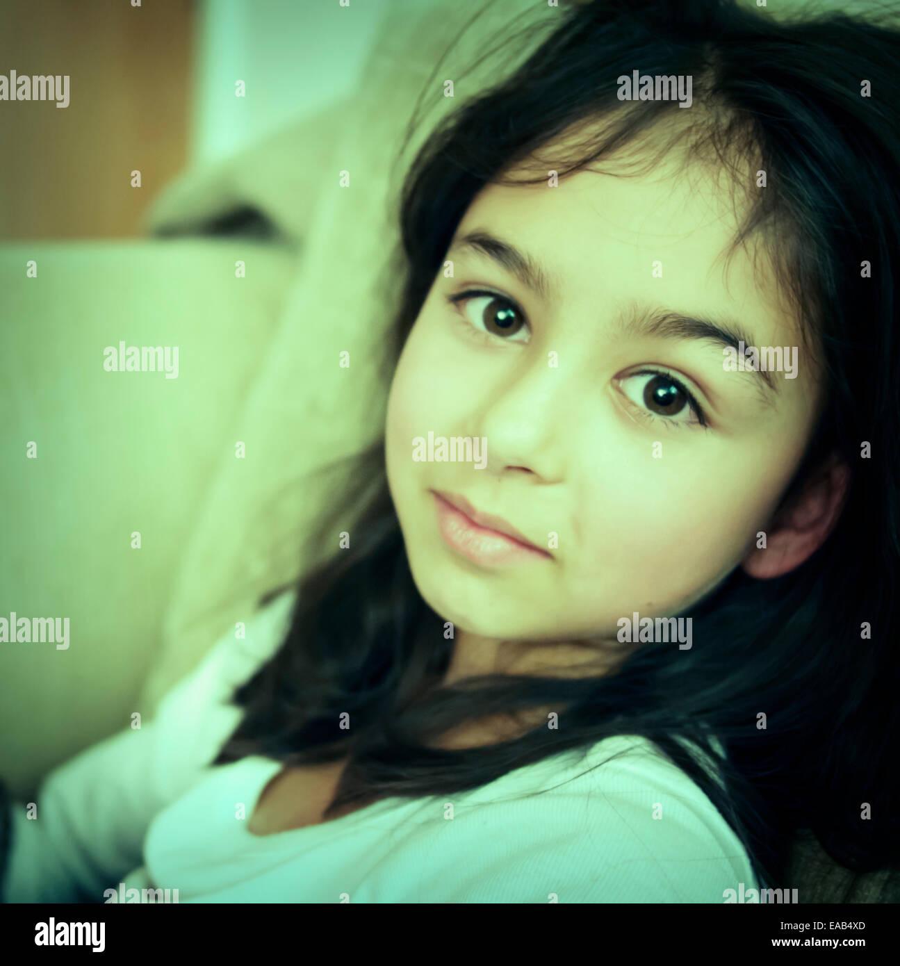 Jeune fille énigmatique Banque D'Images