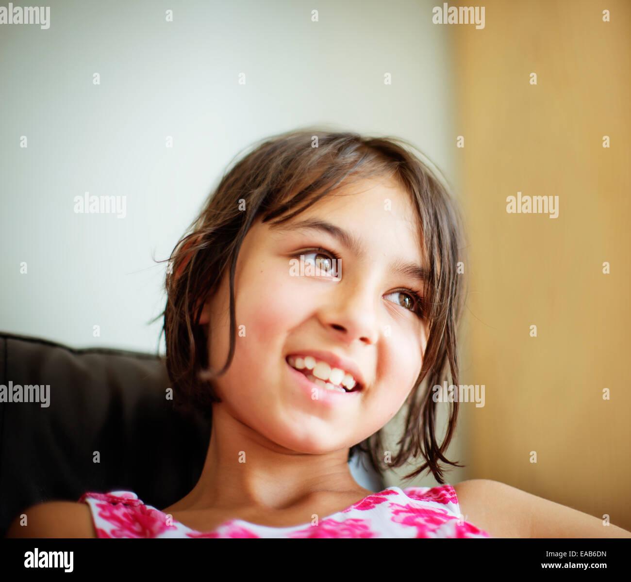 Smiling girl portrait Banque D'Images