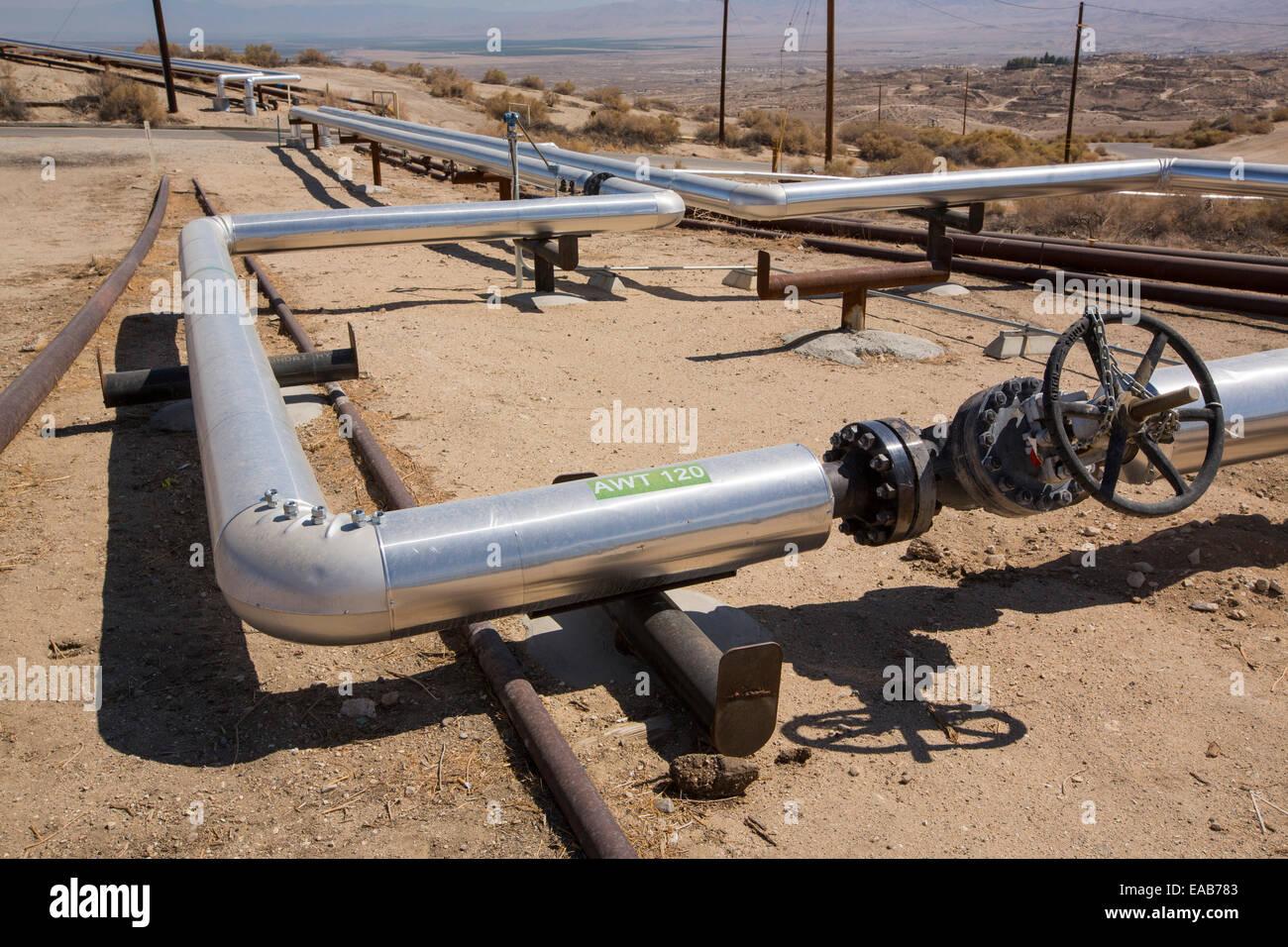 Le Coucher du soleil à Midway Oilfield Taft, Bakersfield, Californie, USA. À la suite d'une sécheresse Photo Stock