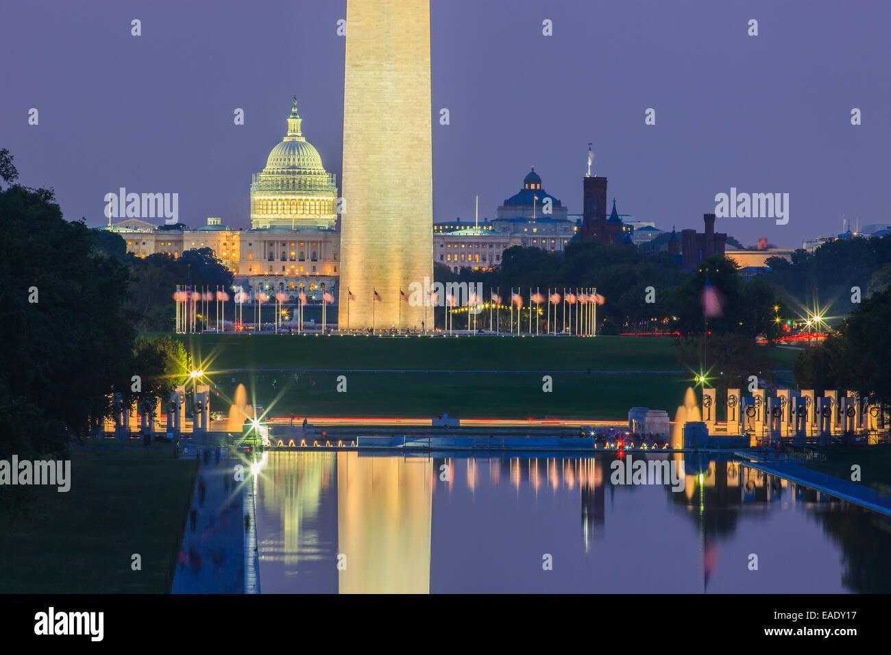 Washington Monument et Capitole à Washington DC. Banque D'Images