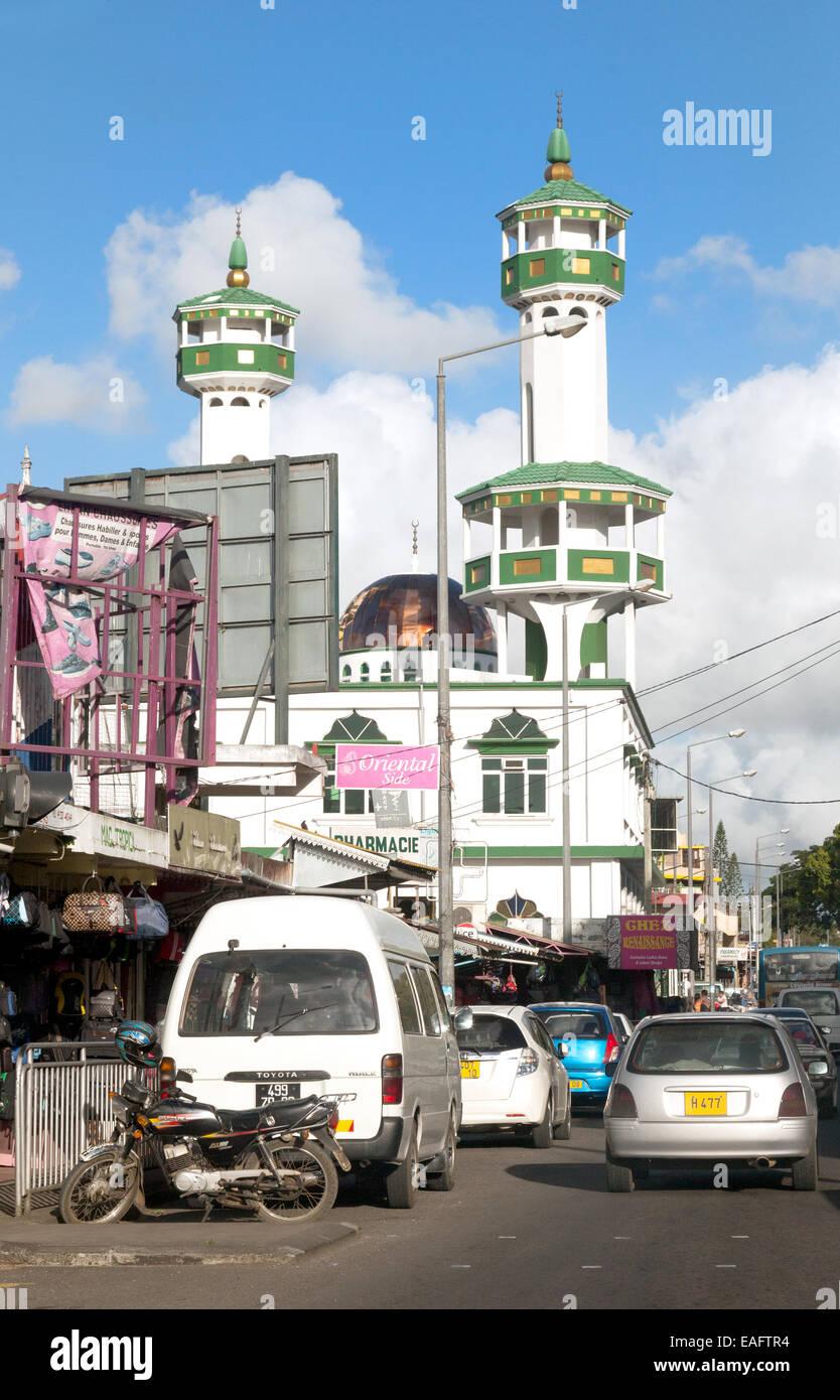 Scène de rue avec mosquée, mont Ida, ville centre de l'ile Maurice Photo Stock