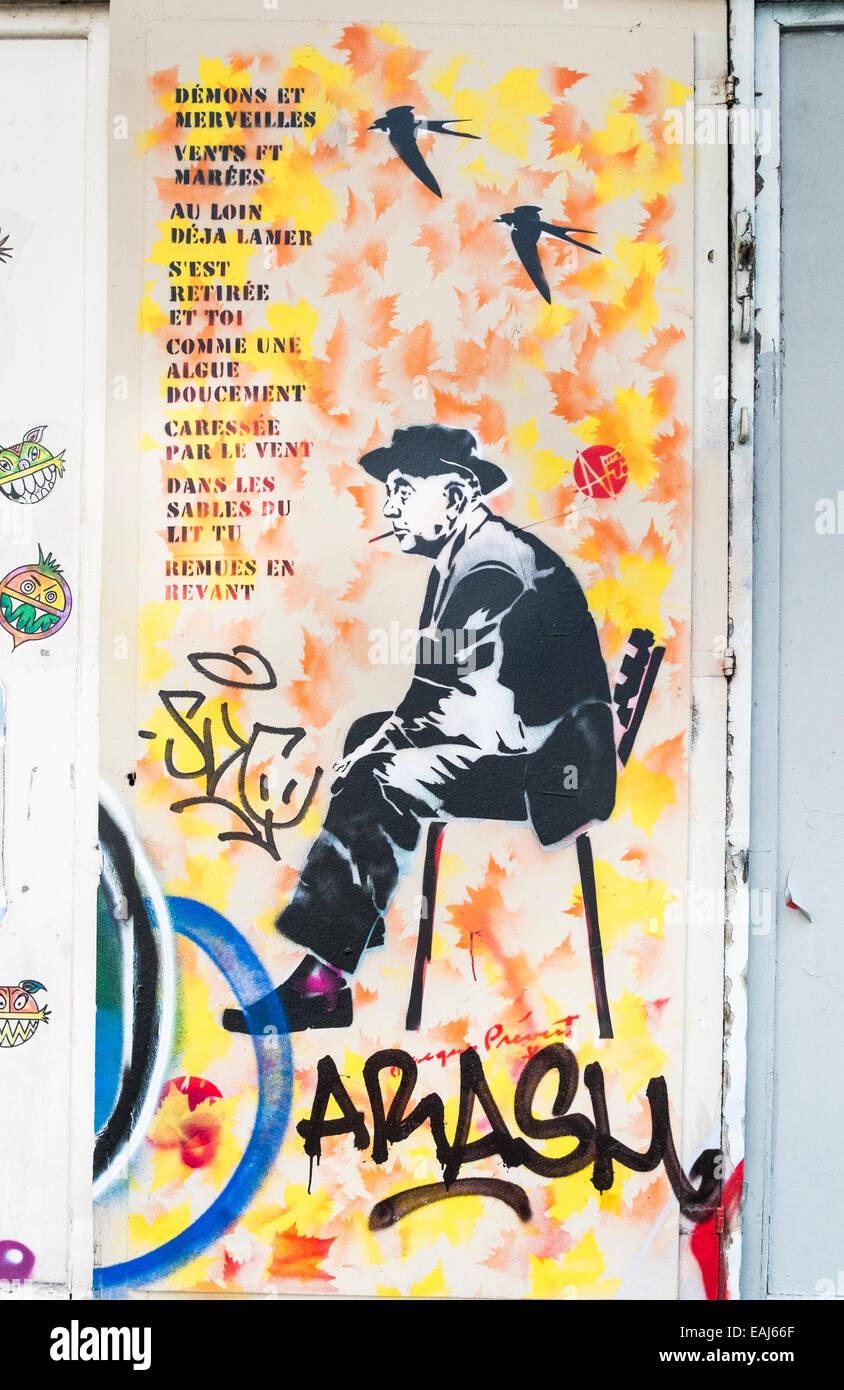 Graffito Pochoir Montrant Poète Français Jacques Prévert
