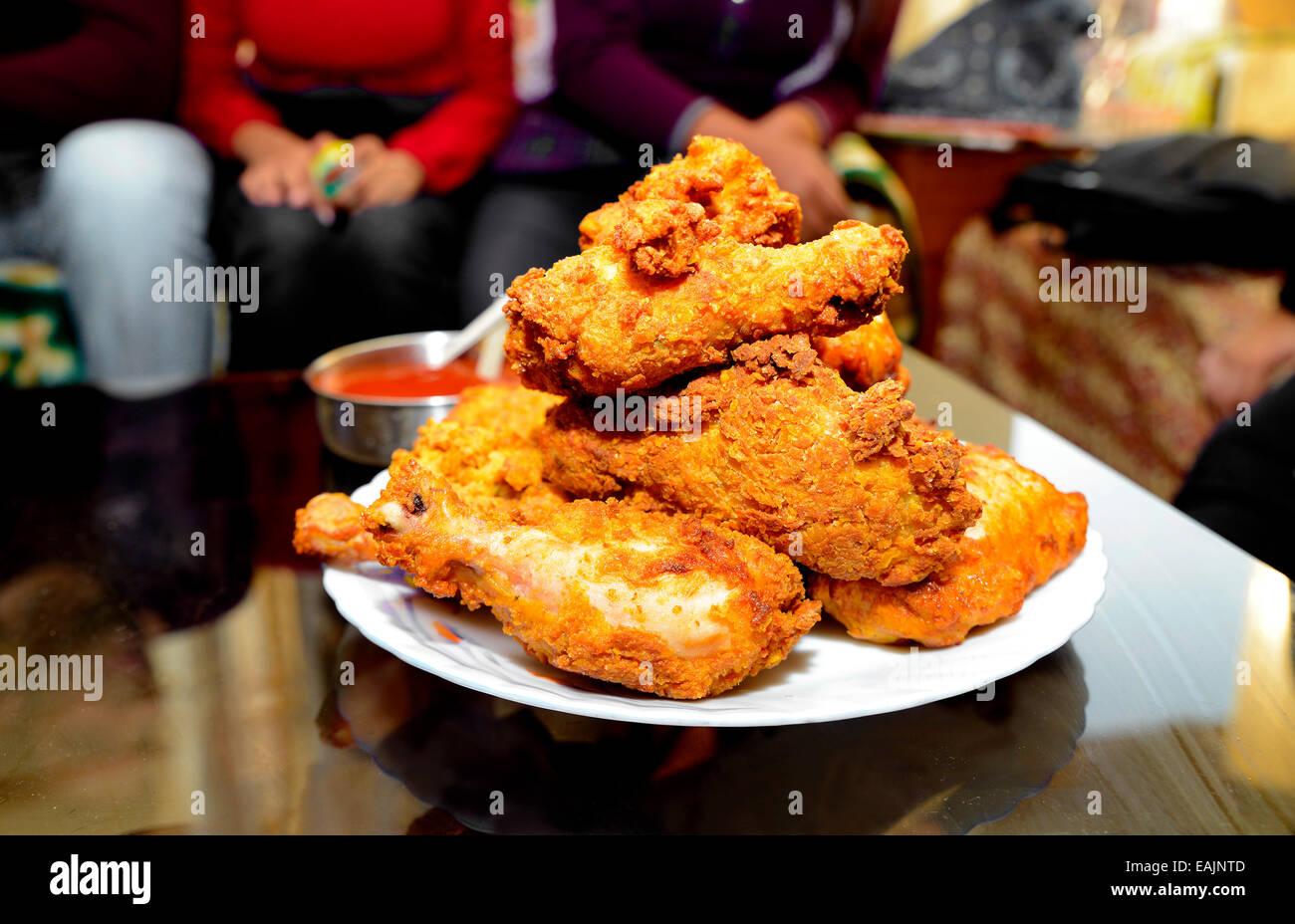 Poêlée de poulet croustillant,,,Gourmet,Viande,fast-food,Snack,Non,junk-food-végétarien,alimentation,isolé,nutritifs Photo Stock