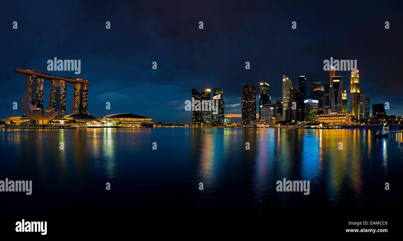 Singapour Skyline at sunset Banque D'Images