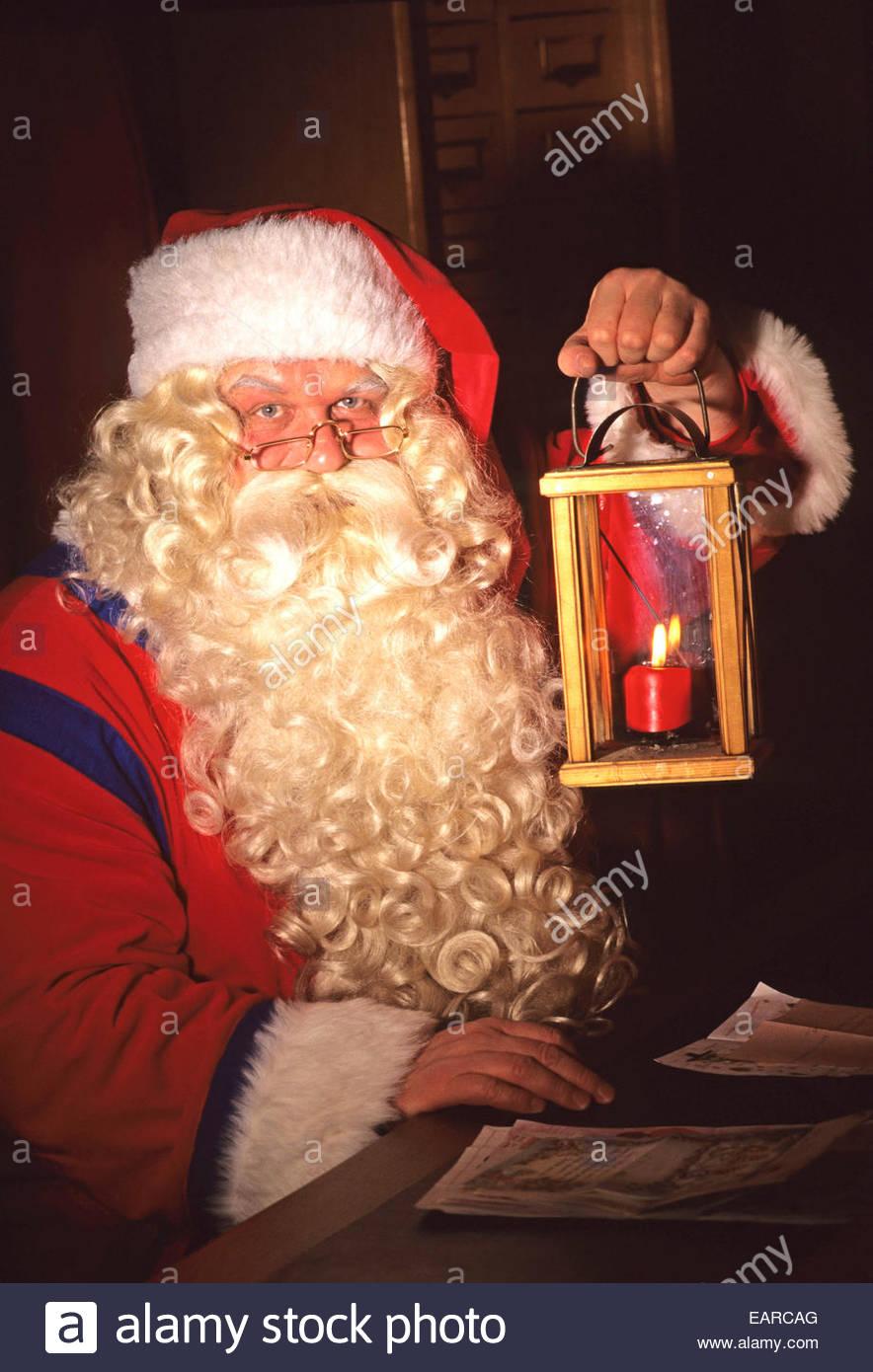 L'éclairage du Père Noël un candel, Rovaniemi, Laponie, Finlande. Photo Stock