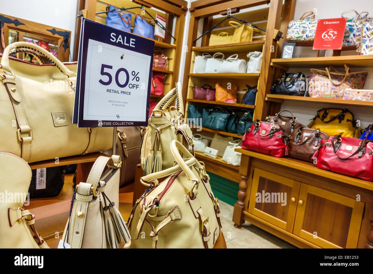 Vero Beach Florida Outlets Dooney   Bourke et magasin d usine vente au  détail shopping 0a6d84372cc