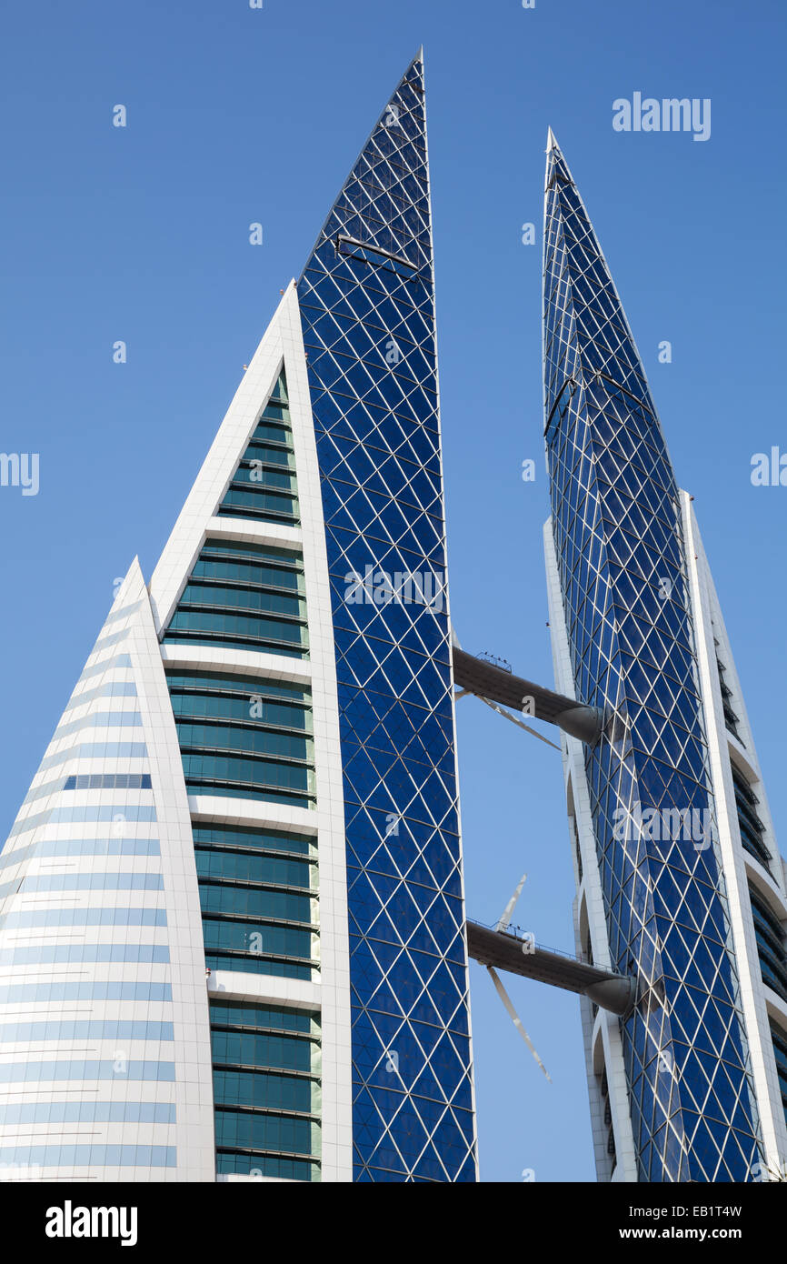 Manama, Bahreïn - le 21 novembre 2014: Bahrain World Trade Centre façade Photo Stock