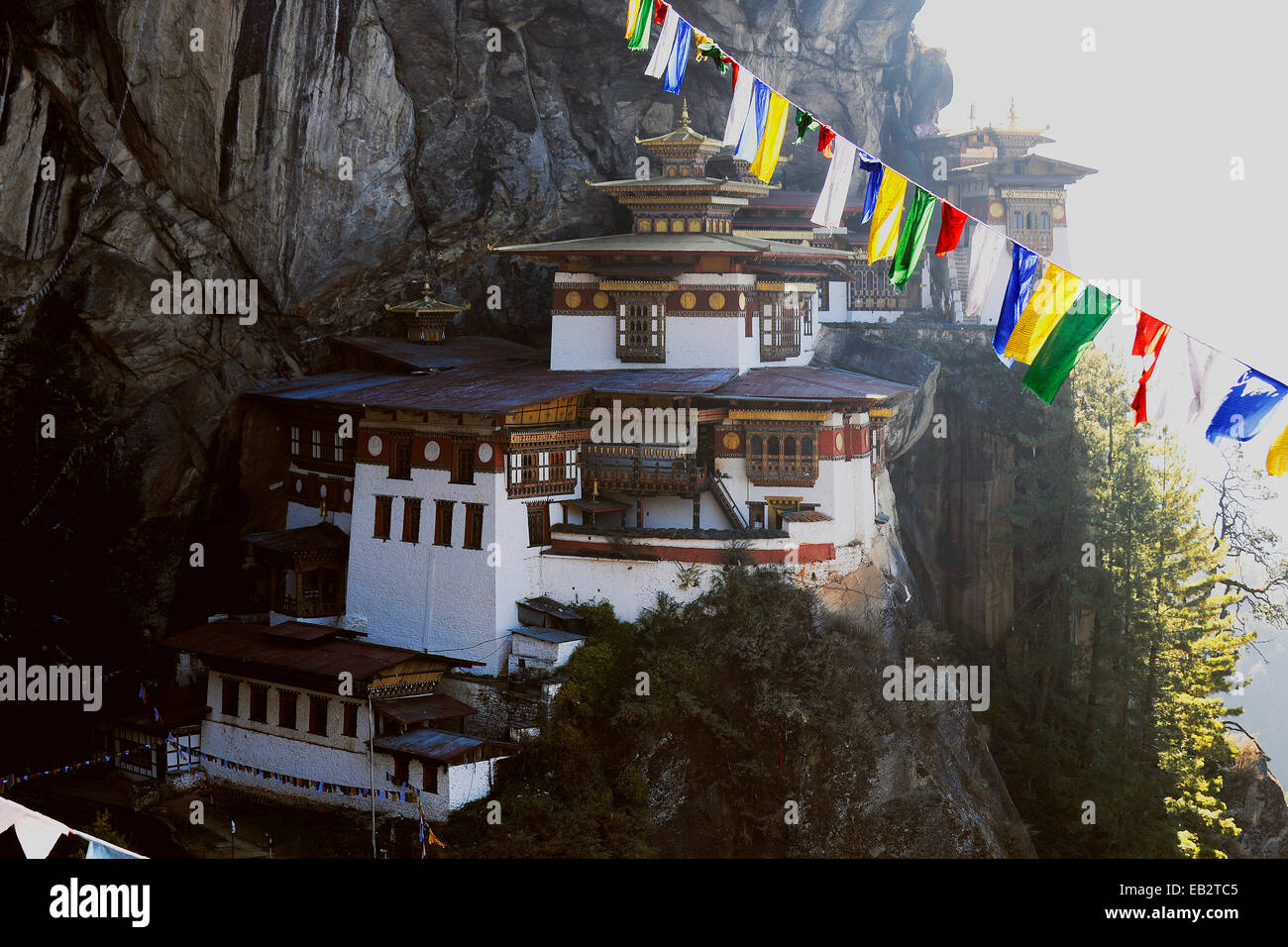 Monastère et temple d'Taktshang-Lhakang, aussi appelé le 'Tiger's Lair', la vallée de Paro, Bhoutan, district de Paro Banque D'Images