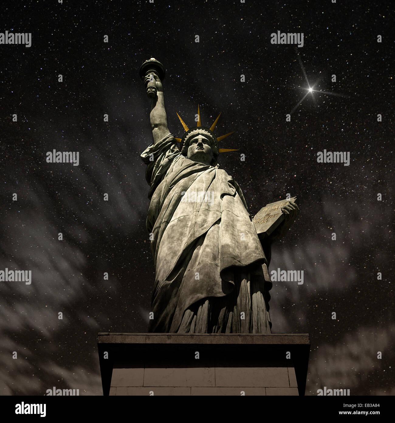 USA, New York State, New York, Statue de la liberté dans la nuit Photo Stock