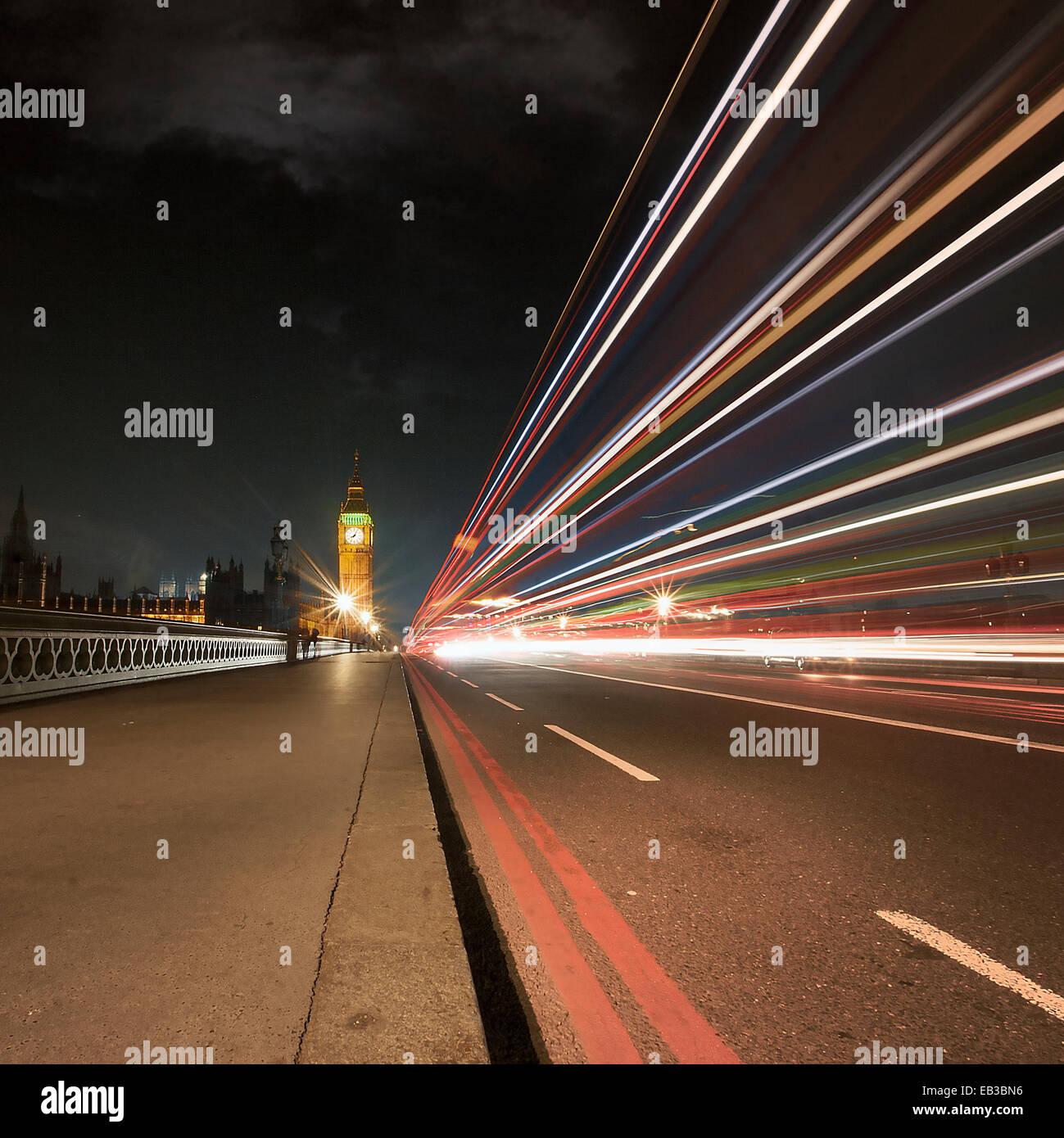 Royaume-uni, Angleterre, Londres, sentier de lumière sur le pont de Westminster Photo Stock