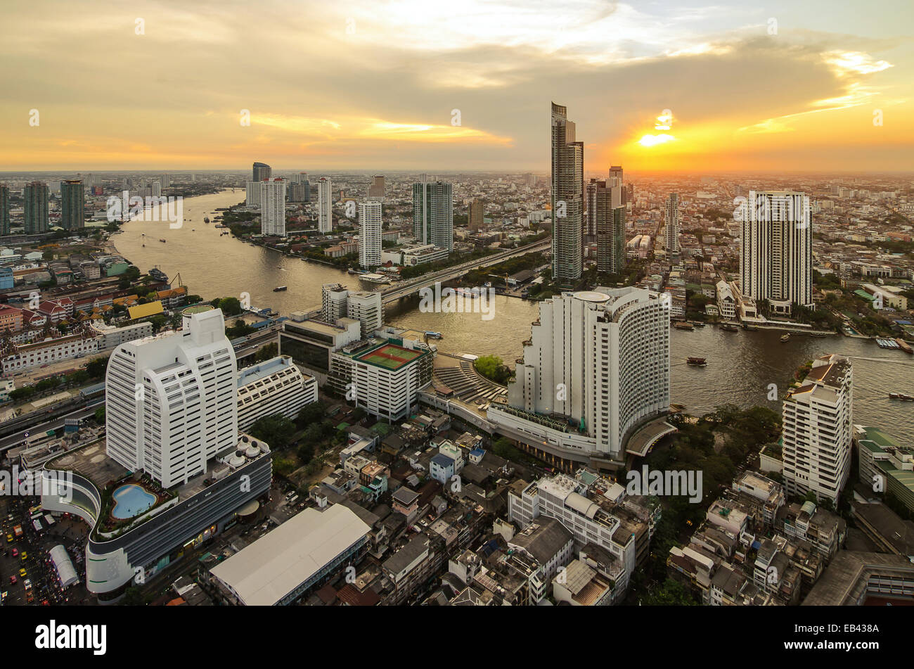 La ville de Bangkok en vue de dessus avec river Photo Stock