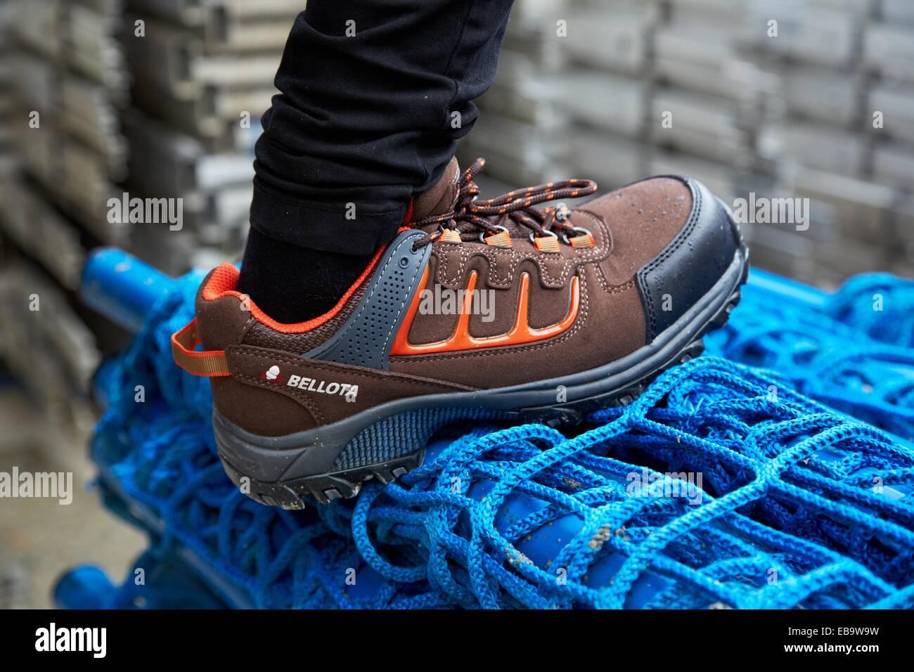 Des Chaussures De Construction Avec La Travailleur Sécurité bf76gyY