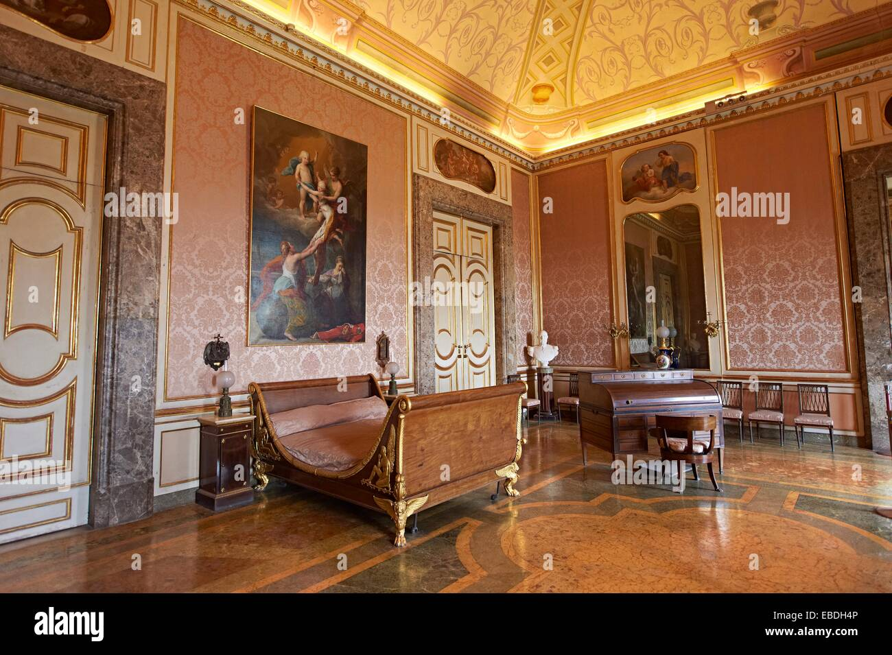 La Chambre à Coucher De Ferdinand II Les Rois De Naples Palais Royal De  Caserta Italie Site Du Patrimoine Mondial De Lu0027UNESCO