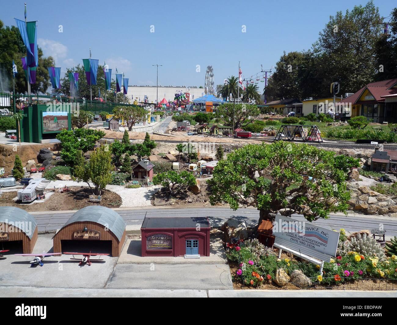 Jardin Railroad au Los Angeles County Fair ce model railroad couvre ...