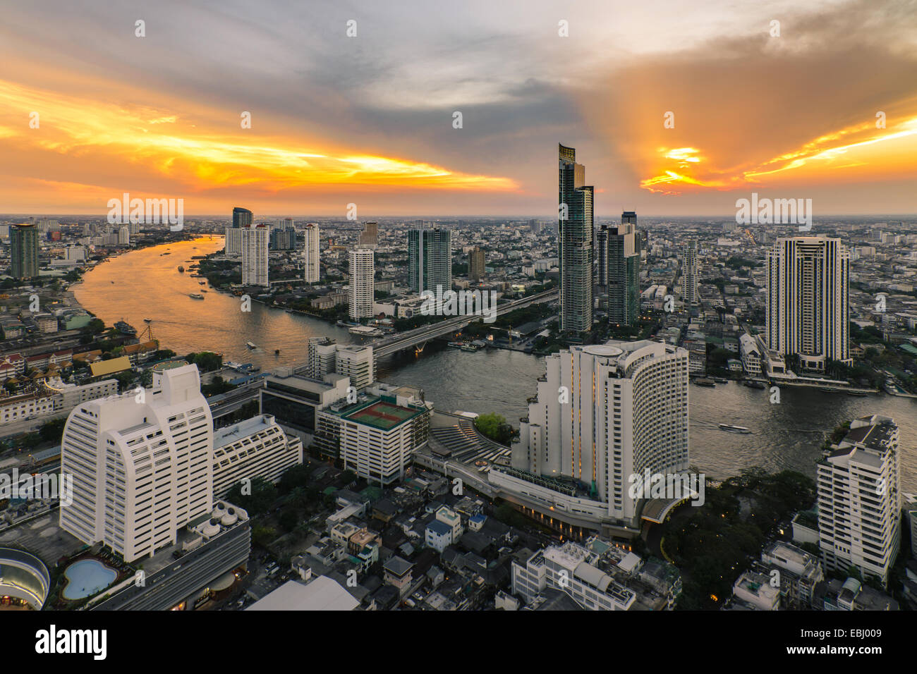 Bangkok City Bird's-eye view en beau ciel Photo Stock