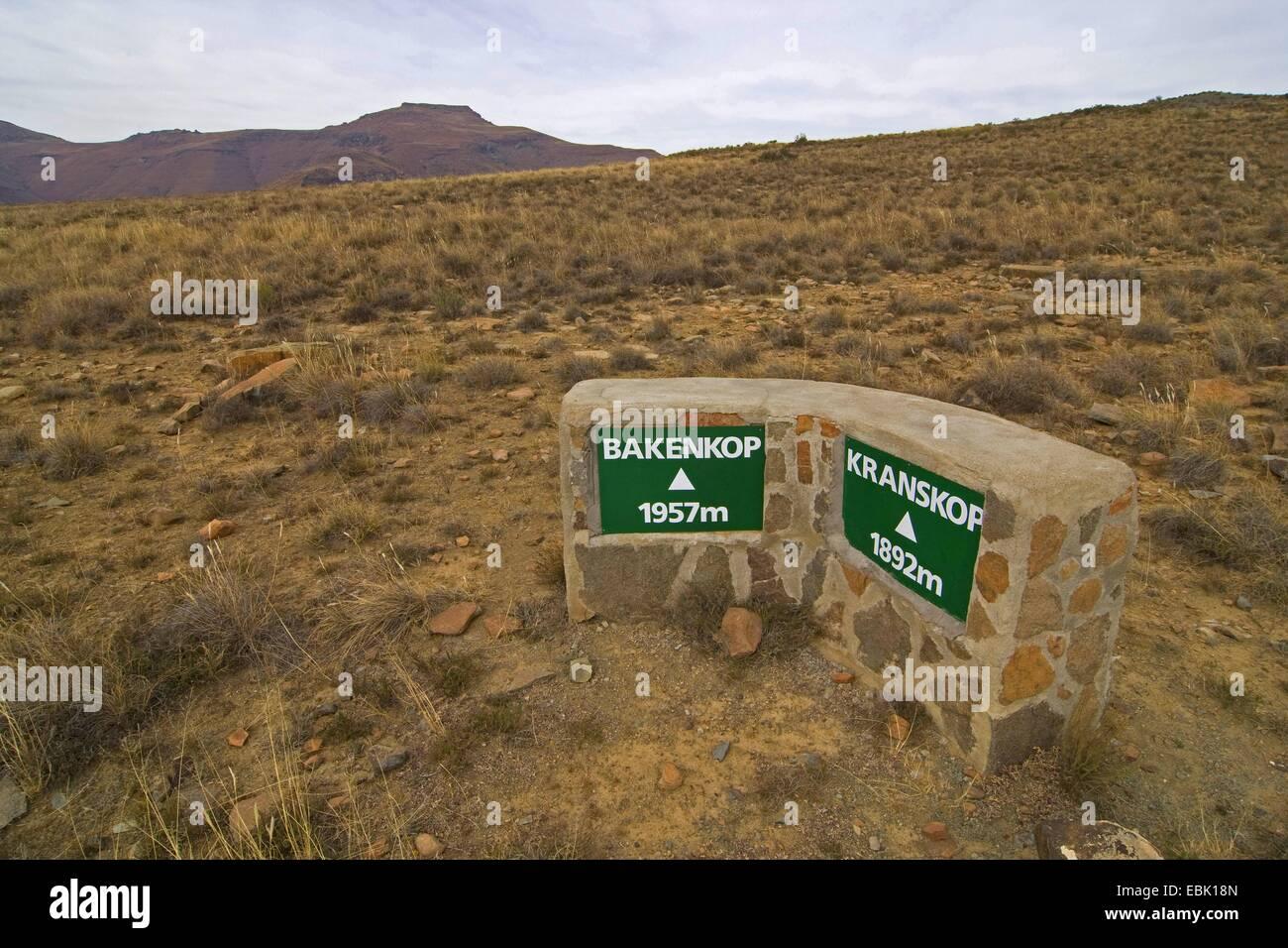 Signer, hauteur des indications de la montagne environnante, l'Afrique du Sud, Eastern Cape, Mountain Zebra Photo Stock