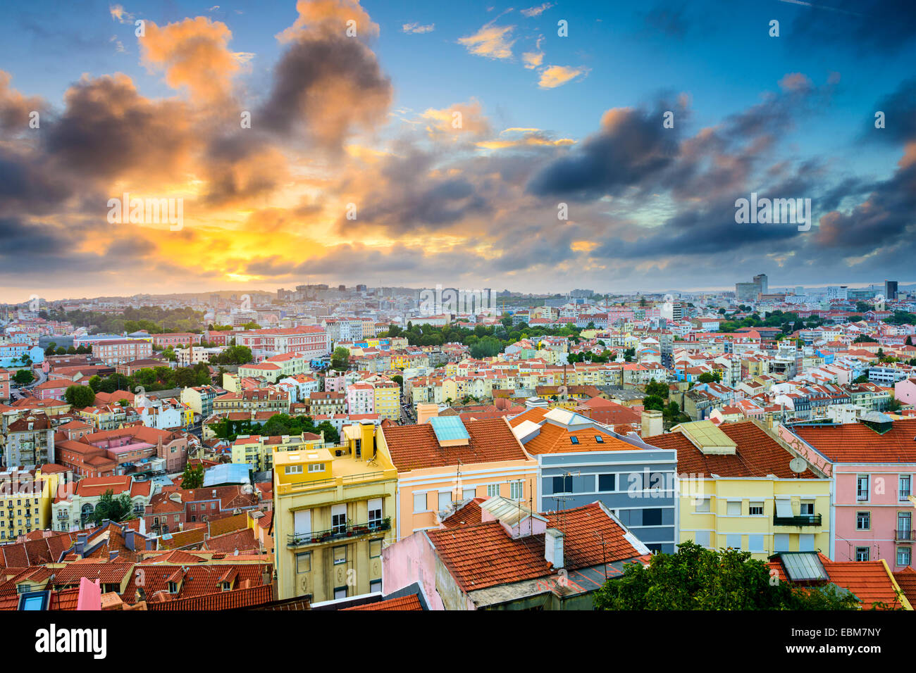 Lisbonne, Portugal quartier de Baixa skyline pendant le coucher du soleil. Photo Stock