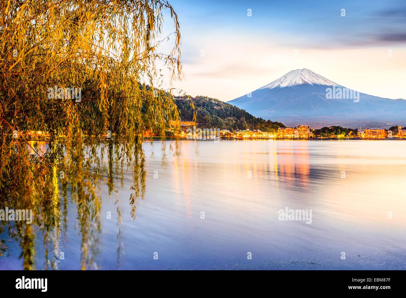 Mt. Le lac Kawaguchi à Fuji au Japon. Photo Stock