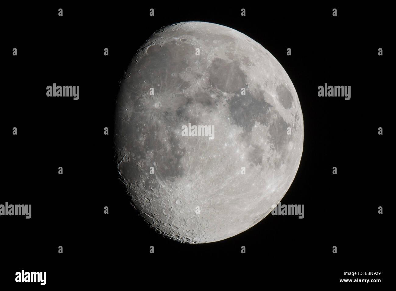 Lune gibbeuse croissante, l'Allemagne, la Bavière Photo Stock