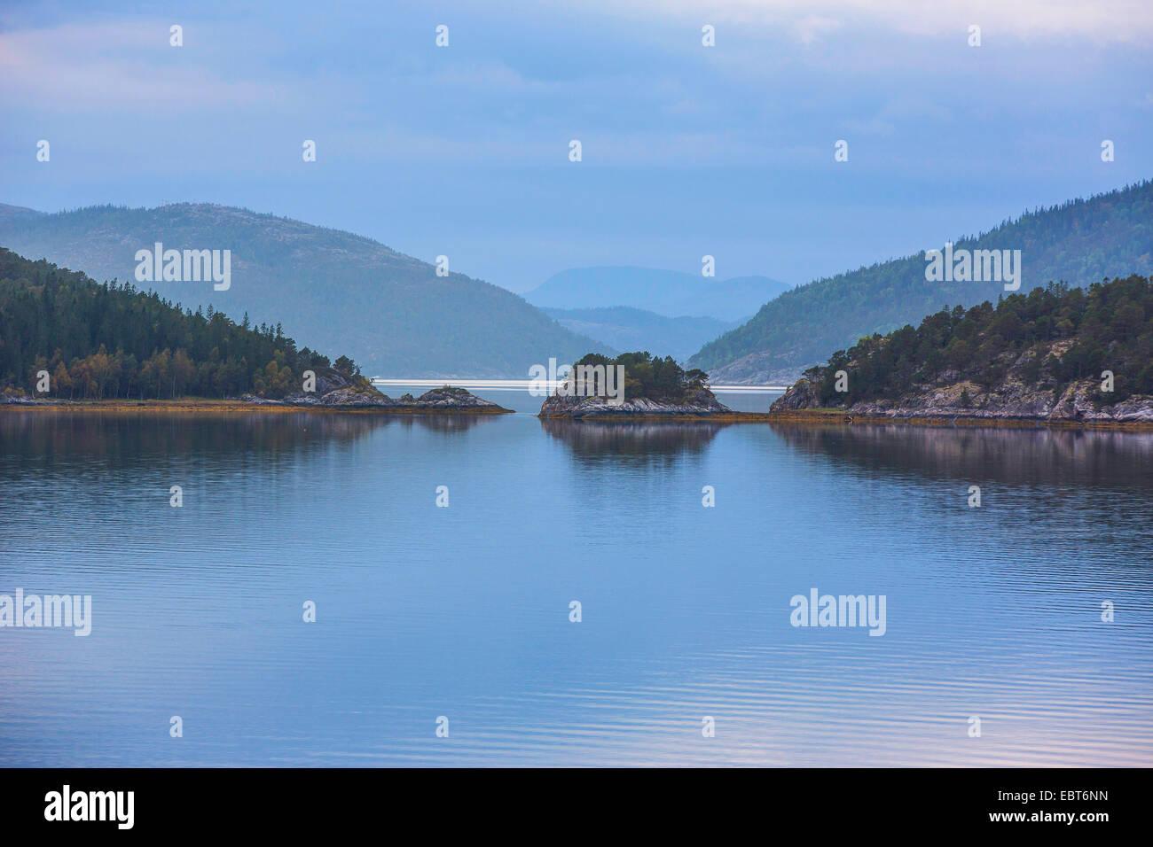 Paysages du fjord, la Norvège, Nordland, Bindalsfjorden Photo Stock