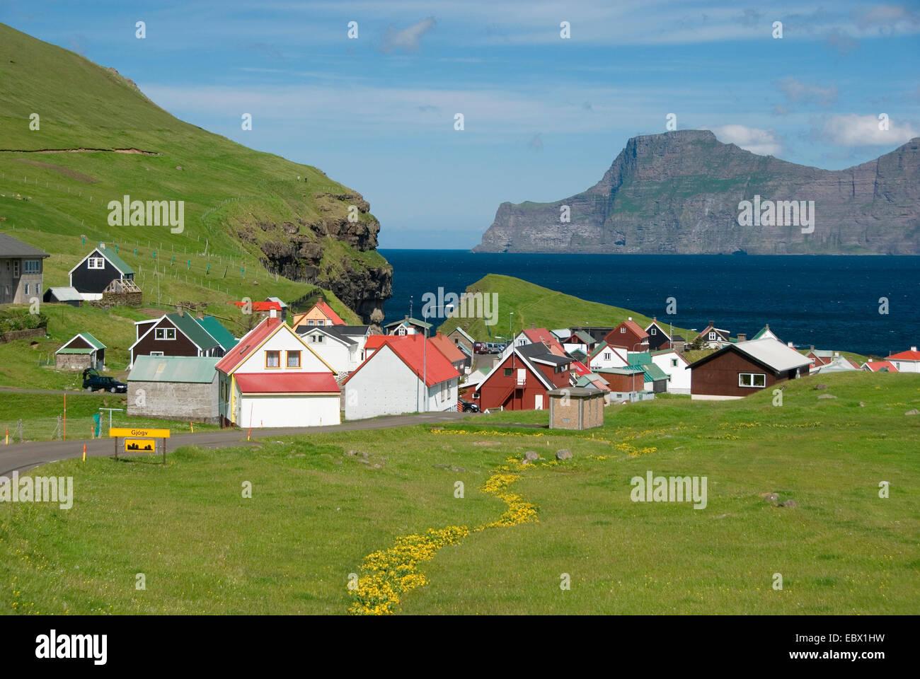 Mais confortables et disposent, au Danemark, îles Féroé, Esturoy Photo Stock