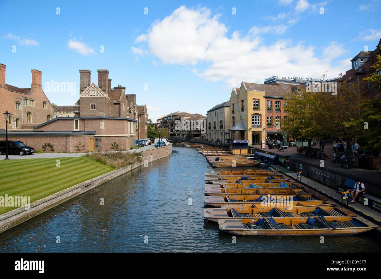 Plates onn la rivière Ram - Cambridge, Angleterre Photo Stock