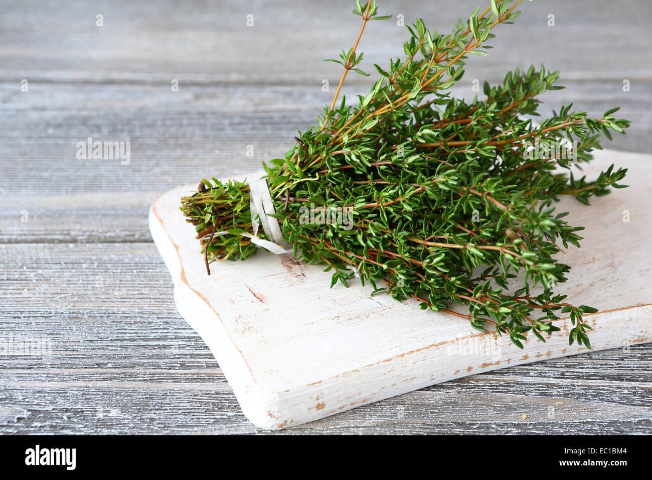Bouquet de thym parfumé aux herbes, épices Banque D'Images