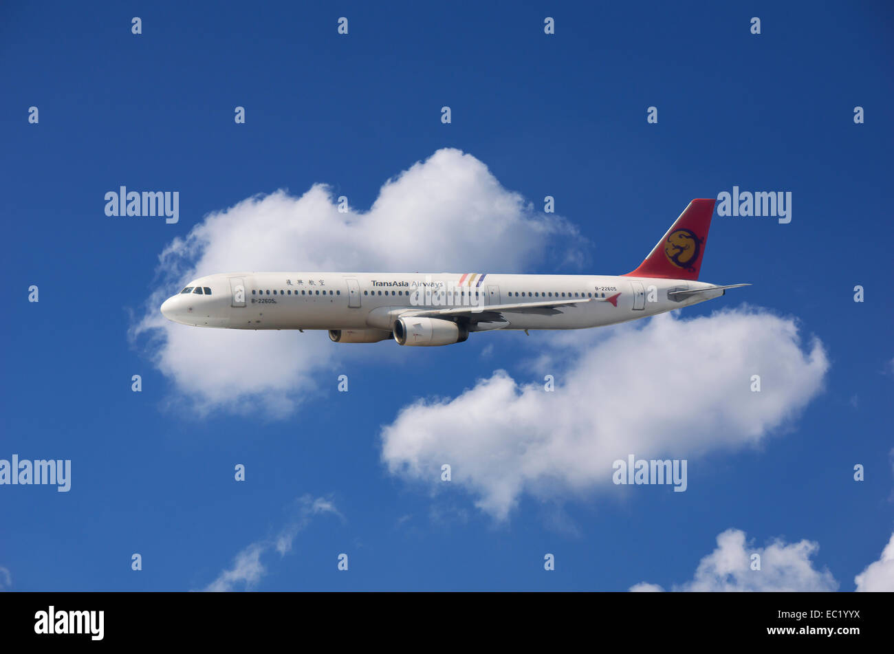 B-22605, TransAsia Airways, Airbus A321-131 en vol Photo Stock