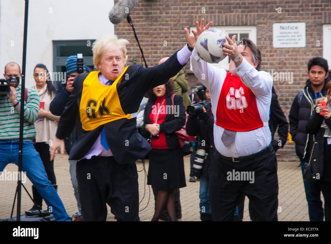 Ealing, London, UK. 9 Décembre, 2014. Maire de Londres Boris Johnson visites Ealing, Hammersmith et Fulham Photo Stock