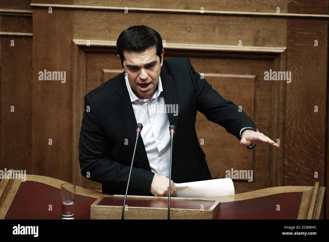 Principal leader de l'opposition de la Grèce de Syriza, Alexis Tsipras, parti parle lors d'une réunion Photo Stock