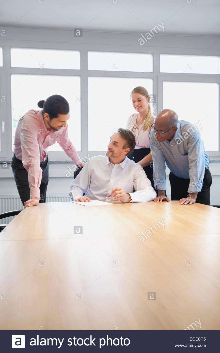 Réunion de l'équipe de réflexion de planification de la conférence Photo Stock