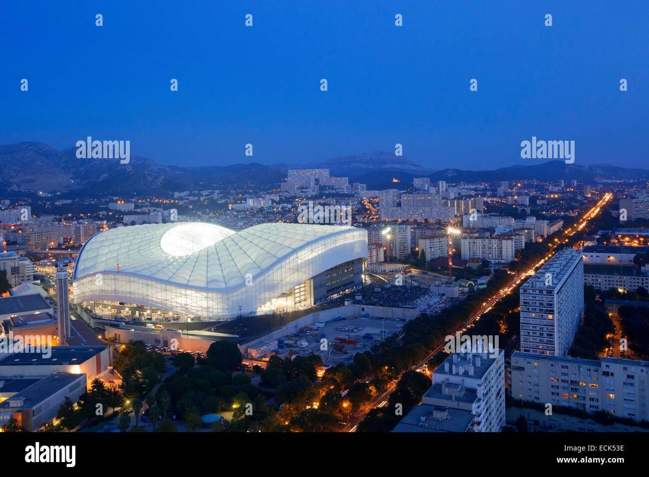 France, Bouches du Rhône, Marseille, quartier Rond Point du Prado, Parc Chanot et du Stade Vélodrome de Photo Stock