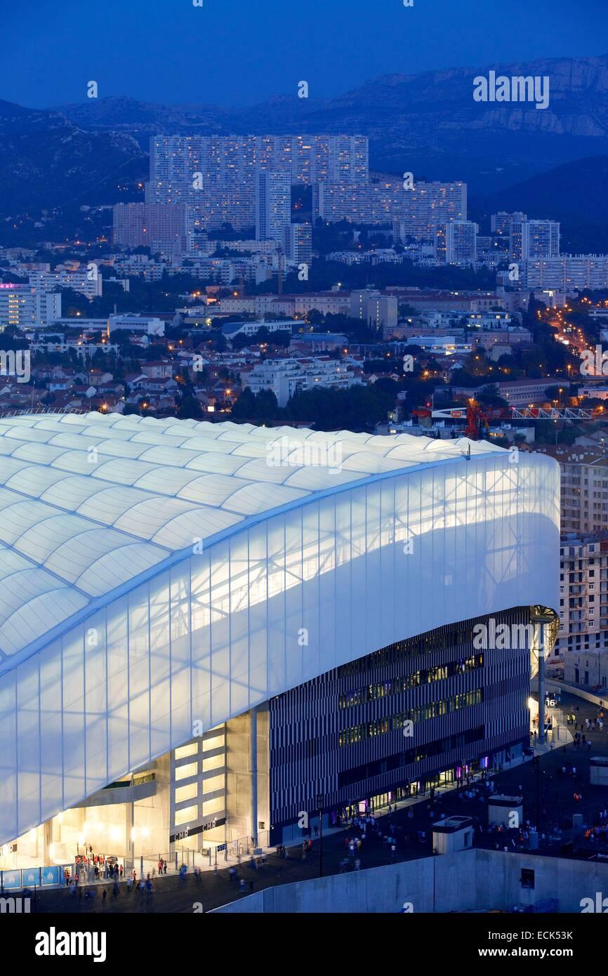 France, Bouches du Rhône, Marseille, quartier Rond Point du Prado, le Stade Vélodrome de l'immeuble Le Grand Pavois Banque D'Images