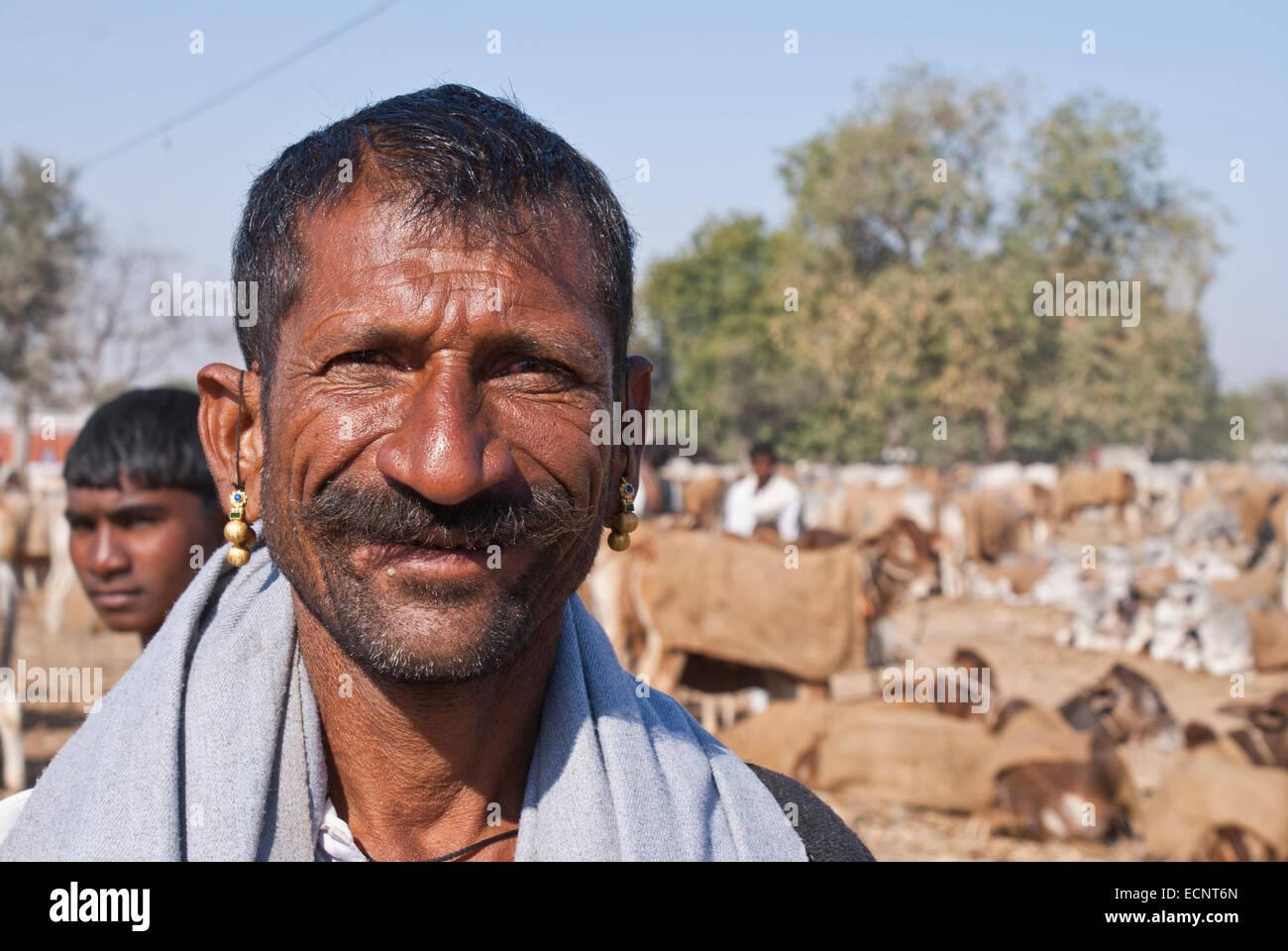 Un large sourire en éleveur de Nagaur. Photo Stock