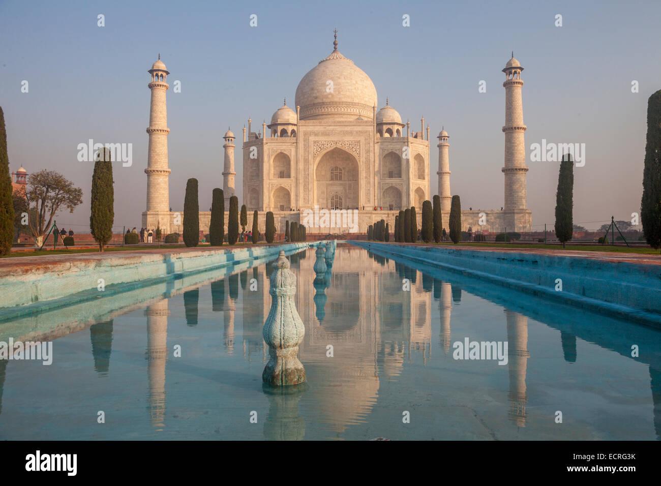 Le Taj (connu sous le nom de Taj Mahal) - est un mausolée en marbre blanc situé à Agra, Uttar Pradesh, Photo Stock