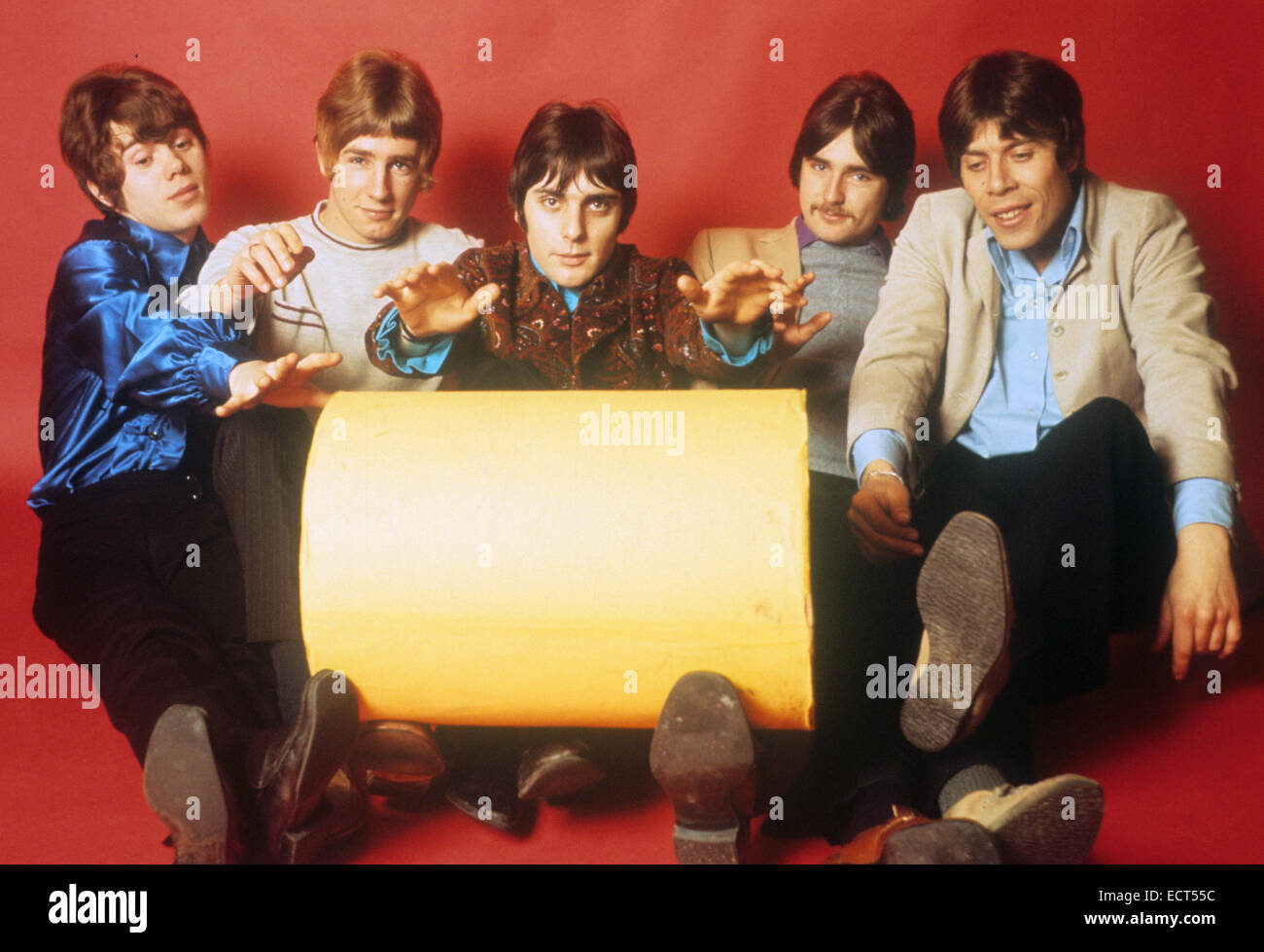 STATUS QUO groupe rock britannique en février 1968. De gauche à droite: Alan Lancaster, Rick Parfitt, John Coughlan, Francis Rossi, Roy Lynes Banque D'Images