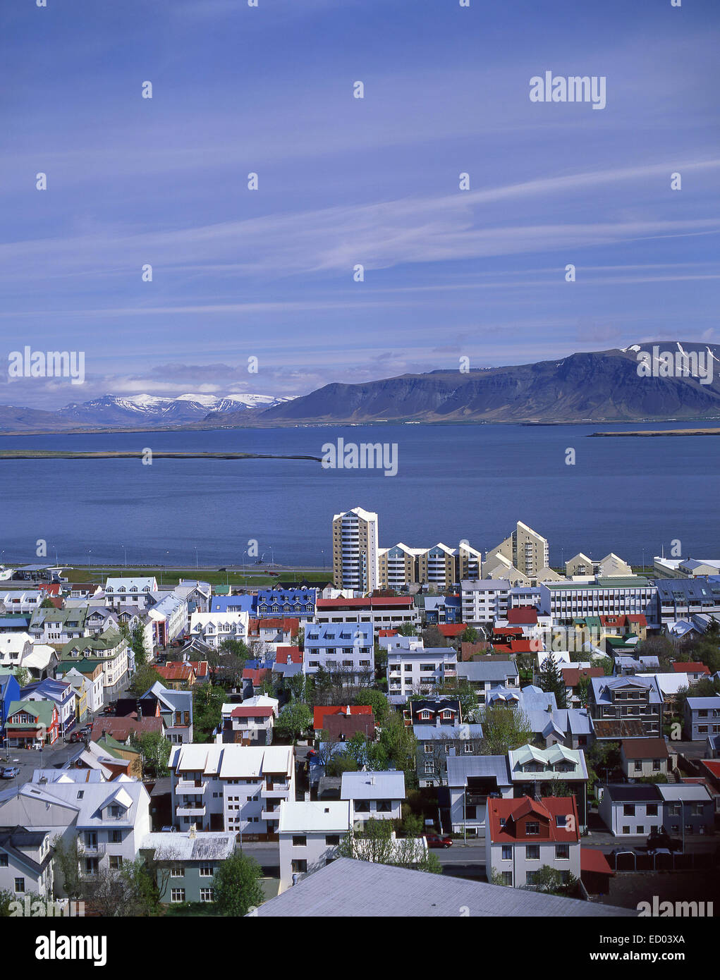 Ville et vue sur le port, Reykjavík, la capitale nationale, République d'Islande Photo Stock