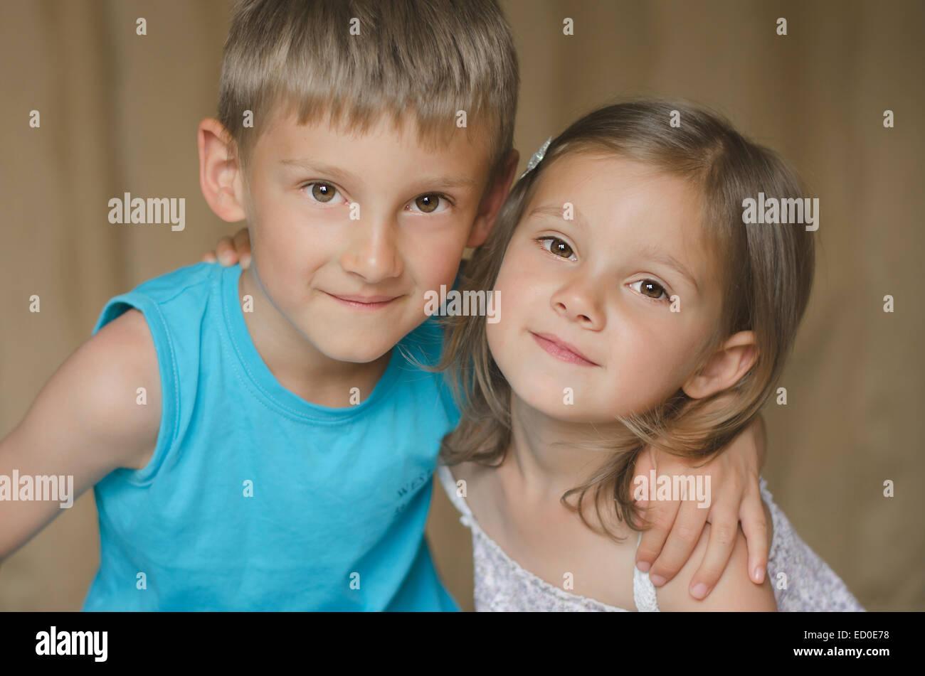 Portrait de frère et soeur Photo Stock