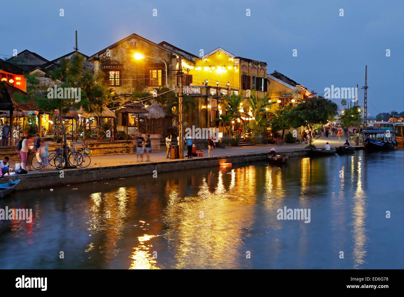 Scène de rue et la rivière Thu Bon, Hoi An, Vietnam Photo Stock