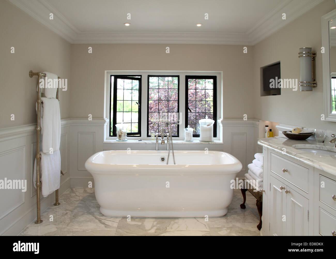 Salle De Bain Victorienne ~ l art d co moderne salle de bains de style victorien banque d images