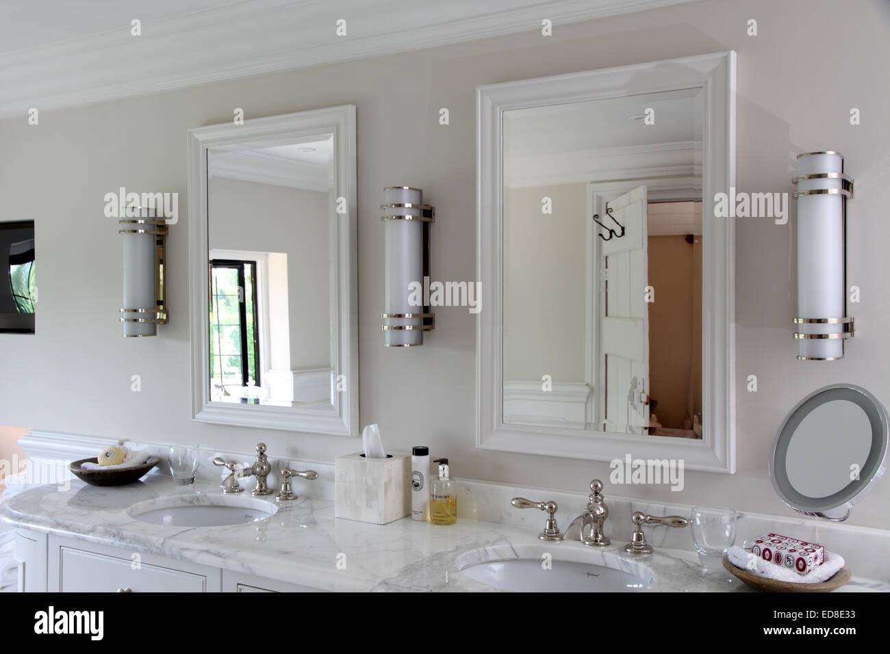 L\'Art déco moderne salle de bains de style Victorien Banque ...