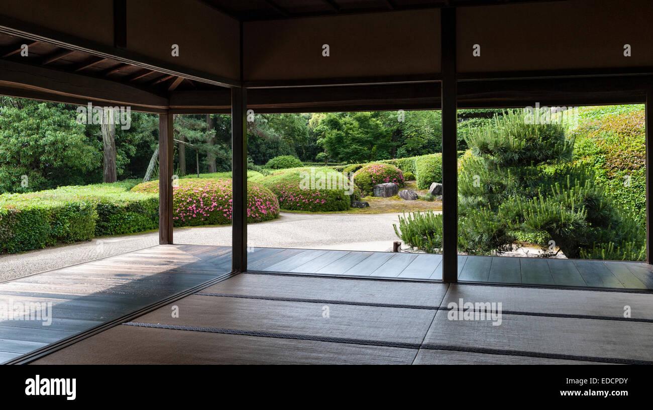 Jiko-dans temple zen, Nara, Japon. Le 17c jardin de gravier ...