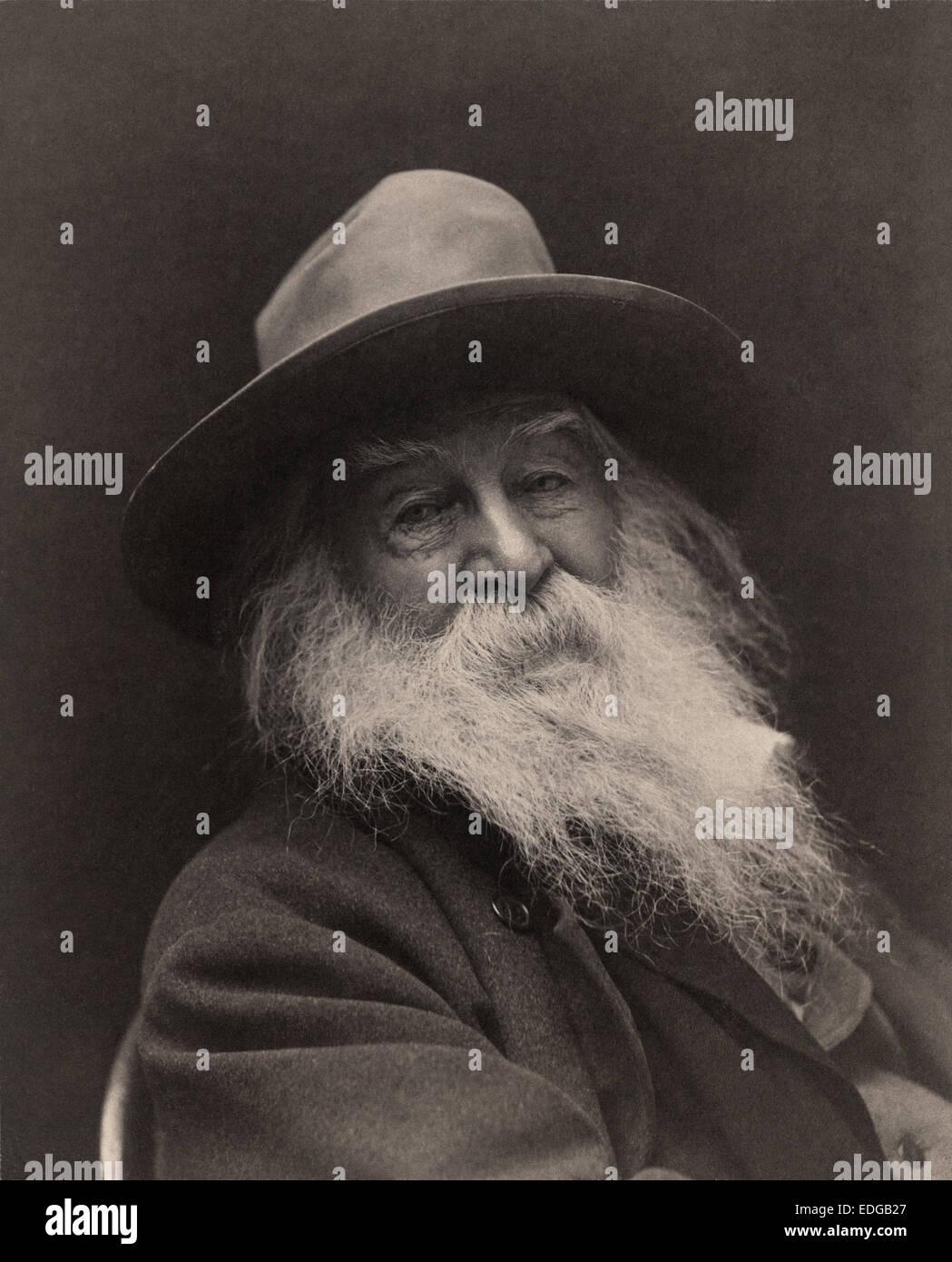 Poète, essayiste et journaliste Walt Whitman photographié par George C. Cox à New York en 1887. L'image est dit avoir été Whitman's favorite de la session photo; Cox publié environ sept images pour Whitman, qui tellement admiré cette image qu'il a même envoyé une copie au poète Tennyson en Angleterre. Whitman vendu les autres copies. Banque D'Images
