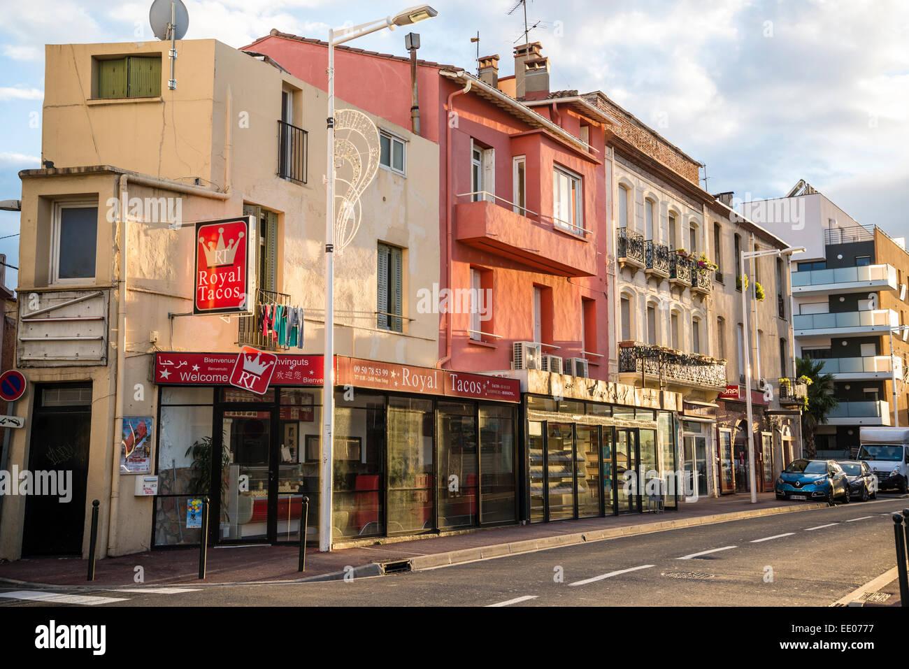 À la fin de la rue du soleil, Perpignan, Pyrénées-Orientales, France Photo Stock
