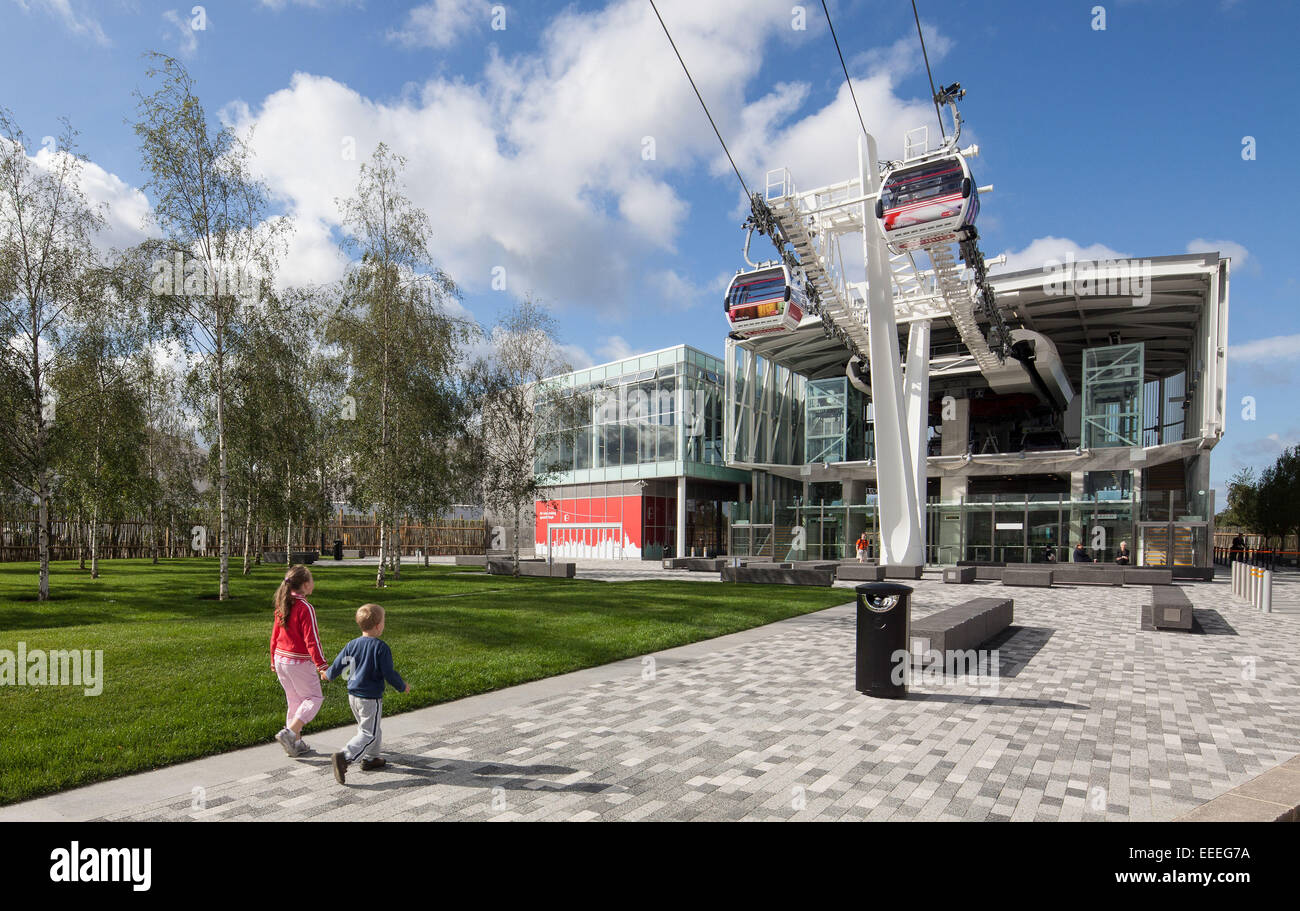 Une vue de la Unis Greenwich borne de l'Emirates Air Line Photo Stock