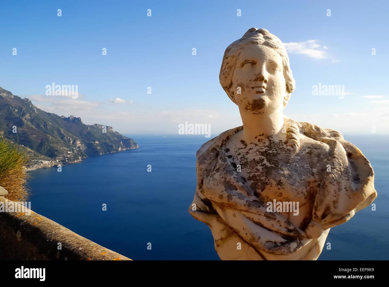 La Villa Cimbrone est un bâtiment historique de Ravello, sur la côte amalfitaine en Italie. Il est célèbre pour Banque D'Images
